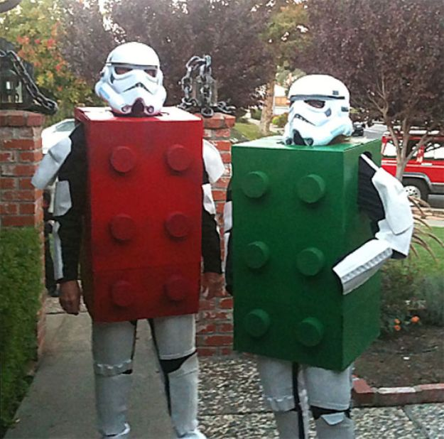 5ac5c8a683235-pun-cosplay-ideas-31-5abe238fc7c30__700 20+ Pun-tastic Costumes You'll Have To Look At Twice To Understand Random
