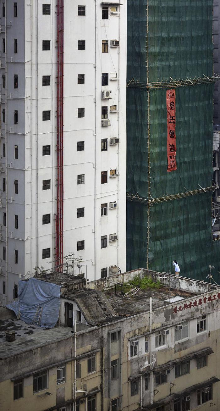 5ae2eb0cb36a3 Breathtaking photos of Hong Kong rooftops from other rooftops 5ae04abf43cf4  700 - 12 coisas interessantes este fotógrafo capturado nos telhados de Hong Kong