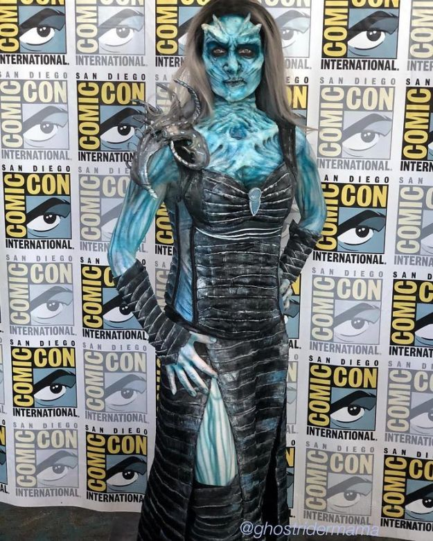 5b5eb68585a0d-BllRPOzgofV-png__700 15+ Best Cosplays From The San Diego Comic-Con 2018 Random