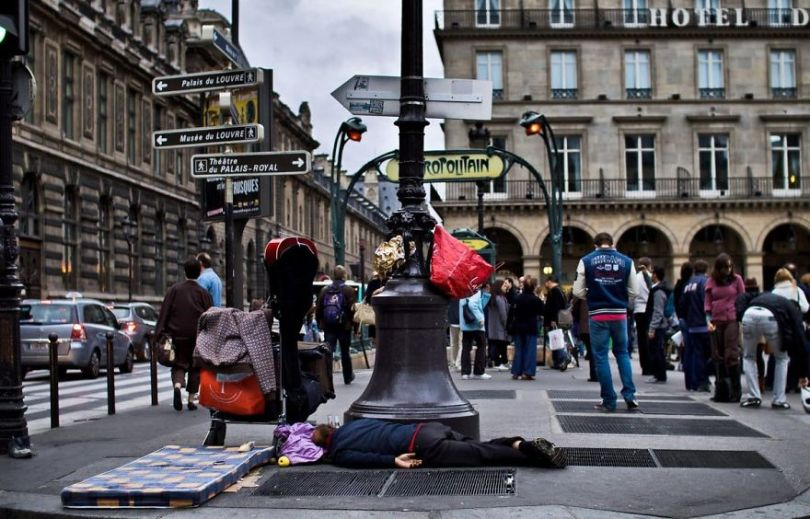 5b9bb38fac7e7 2 13 5b8d1fc3bf01c  880 - Fotojornalista revela o lado não tão romântico de Paris