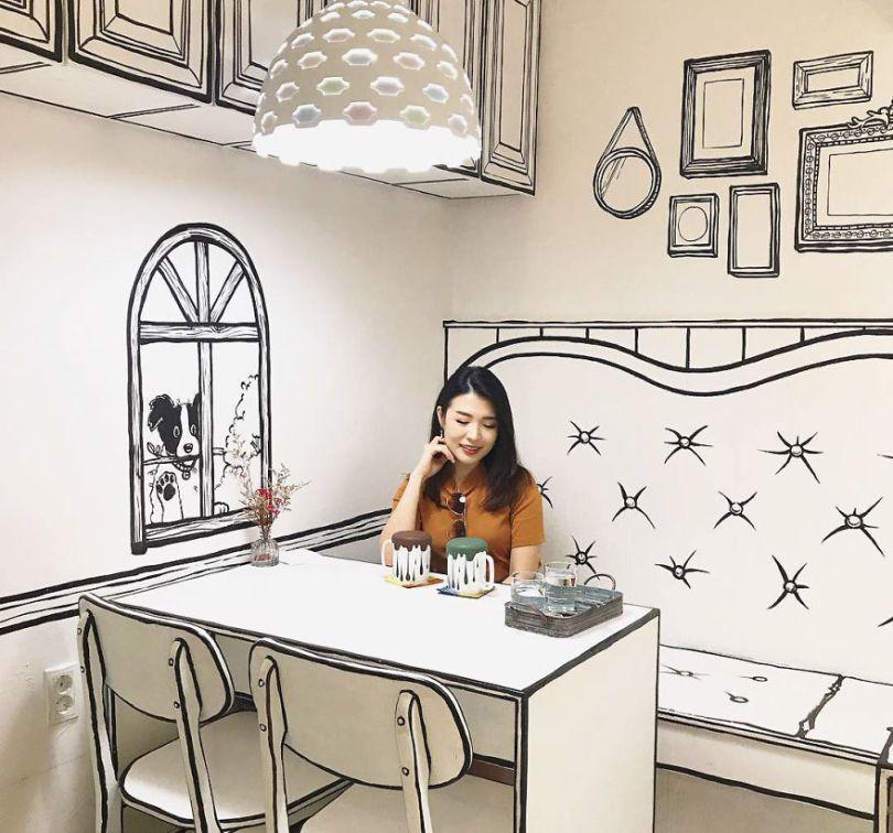 5ba8b4719c3fb In Seoul this unusual cafe makes its customers feel in a comic book 5ba4a8b8547db  880 - Cafeteria faz o cliente se sentir como se estivesse vivendo em um desenho animado