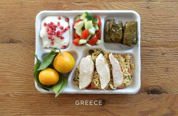 5bb4b3e9445a1-greece-5bb3126555da3__700 9 Photos Showing How School Lunches Look Around The World, And America's Looks Least Appealing Random