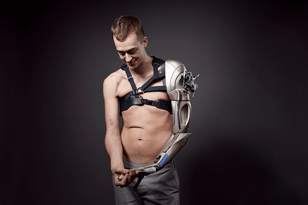 the-alternative-limb-sophie-de-oliveira-barata-21 This Sculptor Creates Incredible And Unique Prosthetic Limbs That Look Like They're From A Sci-Fi Movie Random