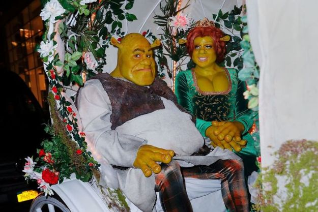 5bdaf52c18994-heidi-klum-halloween-costumes-2018-5bdabc5641fc1__700 Heidi Klum Once Again Proves She's The Queen Of Halloween With This Year's Costume Random