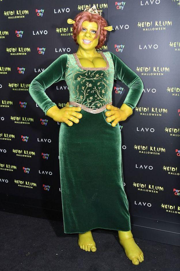 5bdaf52c5ccd4-heidi-klum-halloween-costumes-2018-1-5bdaaa700f79e__700 Heidi Klum Once Again Proves She's The Queen Of Halloween With This Year's Costume Random