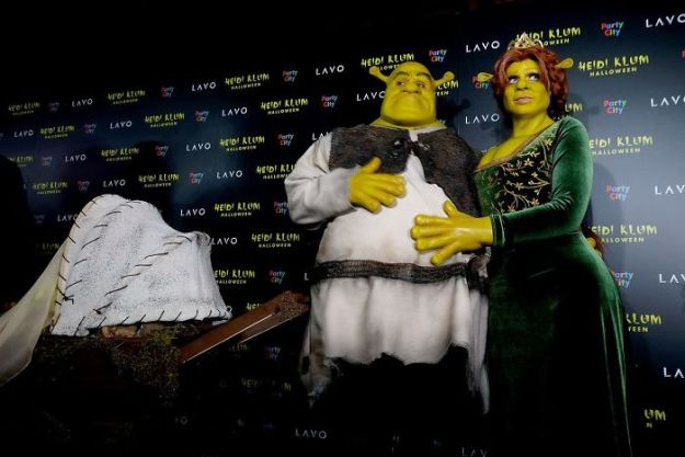 5bdaf52c9ce8f-heidi-klum-halloween-costumes-2018-2-5bdaaad1b058a__700 Heidi Klum Once Again Proves She's The Queen Of Halloween With This Year's Costume Random