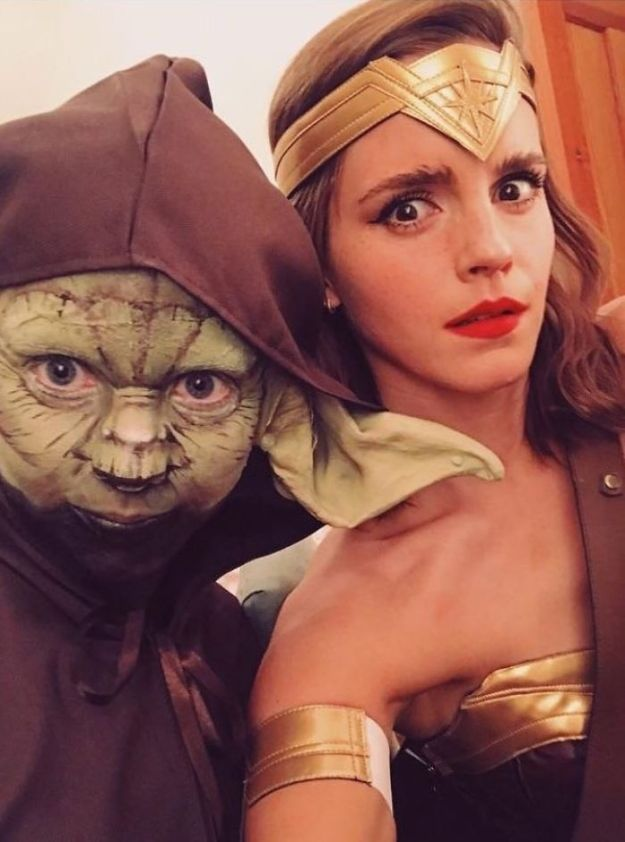 5be0553d51b3b-5bdc0940ee5b4_EhFojgx__700 30+ Celebrities Who Completely Nailed This Year's Halloween Random