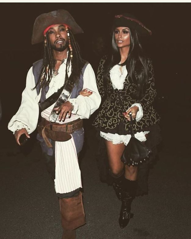5be055448e920-1055915145342435330-png__700 30+ Celebrities Who Completely Nailed This Year's Halloween Random