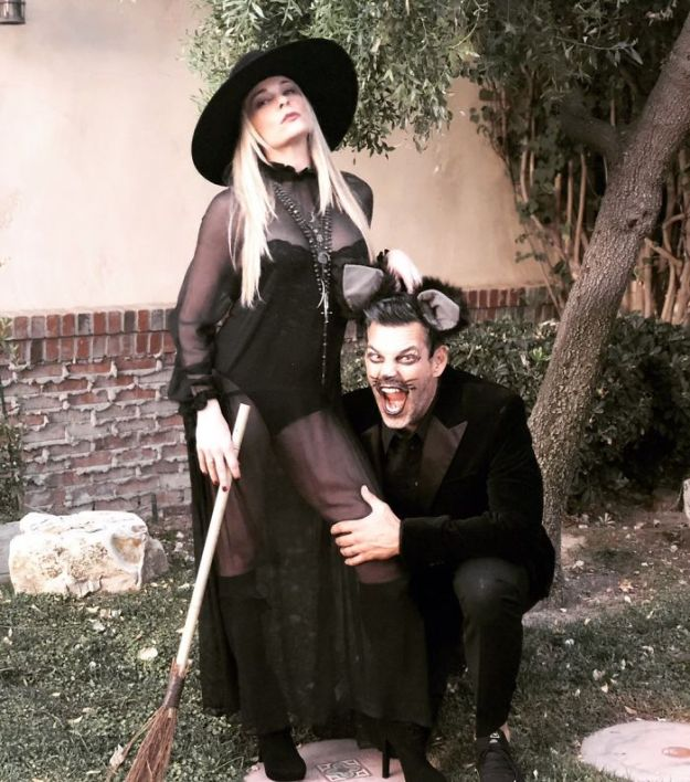 5be0554a3db15-1057990851324915712-png__700 30+ Celebrities Who Completely Nailed This Year's Halloween Random