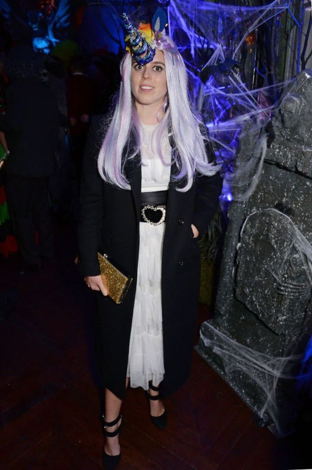 5be055511ced6-gettyimages-1055806816-5bdc075d90173__700 30+ Celebrities Who Completely Nailed This Year's Halloween Random