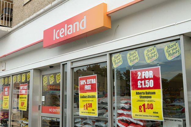 """5beacd9505877-banned-island-advert-rang-tans-story-greenpeace-palm-oil-1-5be952b6b85b2__700 UK Bans Iceland's New Christmas Ad For Being """"Too Political"""" Random"""