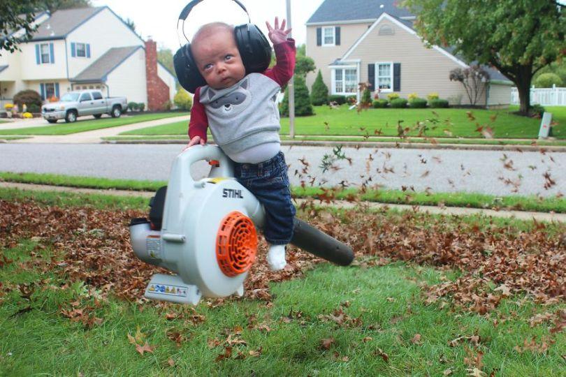 """5c497b396cae9 Ryan3 5c475636496c4  880 - Pai fez seu bebê prematuro fazer """"coisas de homem"""". É hilário!"""