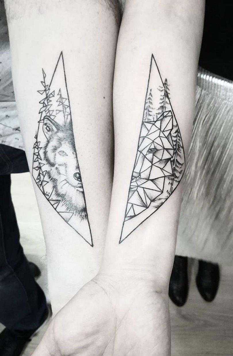 5cee3cdda409c matching tattoo ideas 45 5ce54054b4c52  700 - 30 criativas tatuagens conectadas entre pessoas