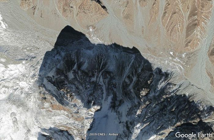 5d5507f03cf71 42 5d527dd4b5547  700 - 30 coisas mais interessantes que um geólogo encontrou no Google Earth