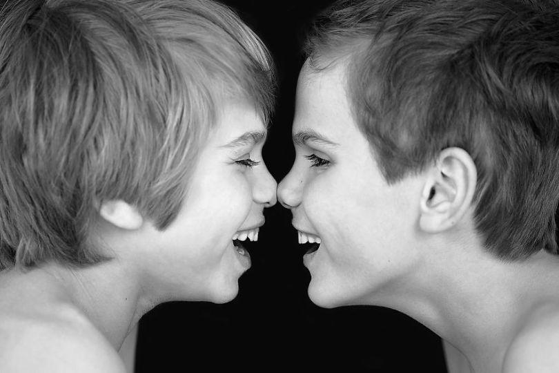 5d68d211258c4 I had a Singleton then twins then triplets 5d59d762ef121  880 - Mãe de gêmeos e depois trigêmeos documenta sua família em fotos adoráveis