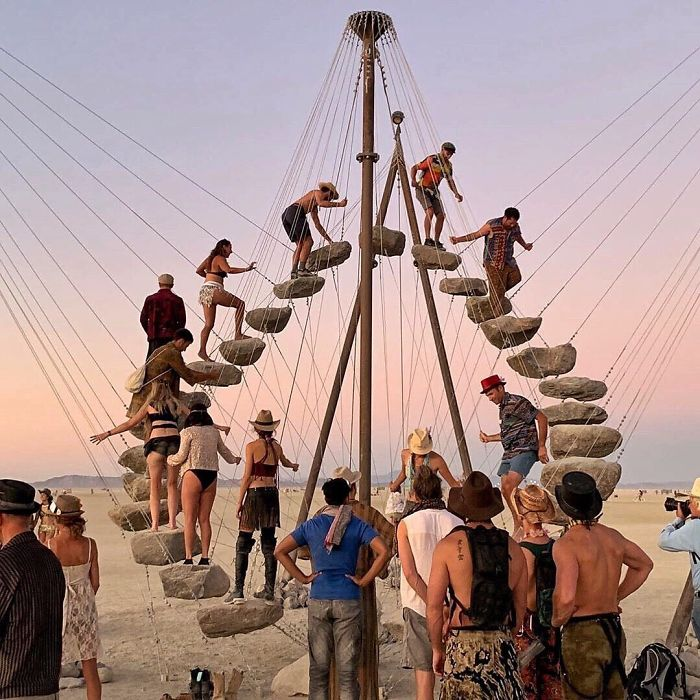 5d6f6c503a081 B12HXXaAl4L png  700 - 30 fotos do festival Burning Man Nevada 2019