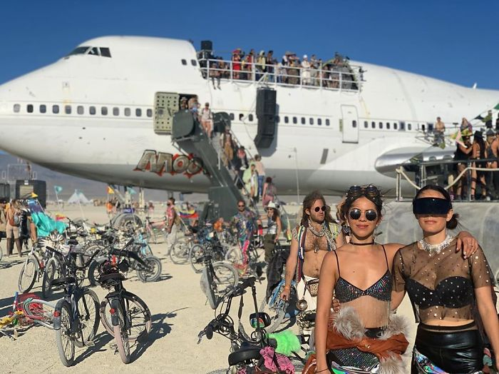 5d6f6c5386db0 B1xVDgDgNG  png  700 - 30 fotos do festival Burning Man Nevada 2019