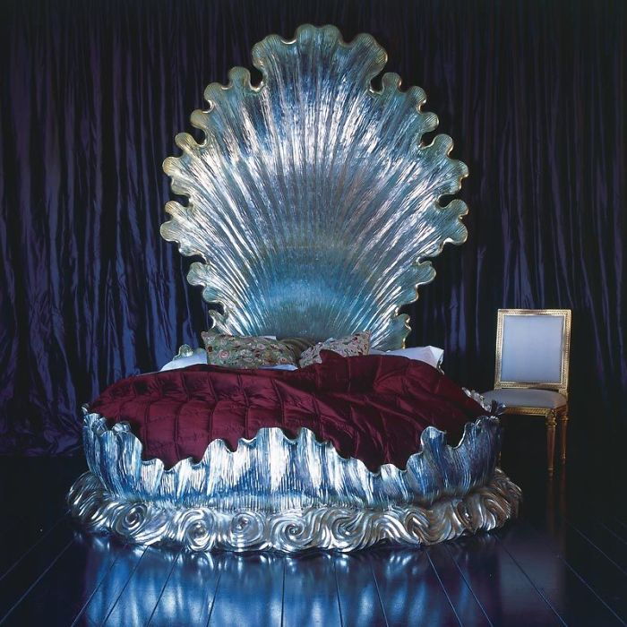 5d9ee097081e6 beds bedrooms with threatening auras 24 5d9c98c65933d  700 - 30 camas bizarras que só precisavam ser compartilhadas