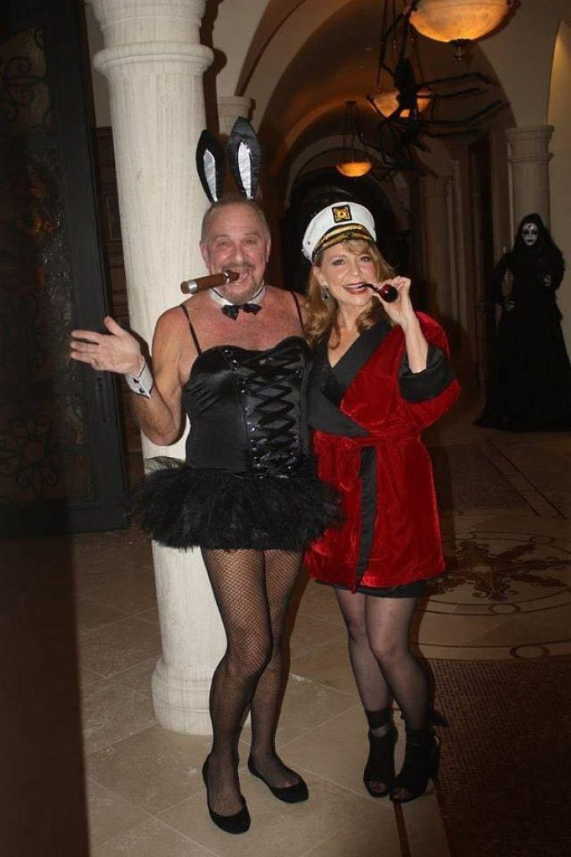 5dba9813ad31c 5da5d4f68818c qDTGN7WKZwK3WfFcNqQd YykdWfD5GWNHUVyp7vGLC0  700 - Casais que apavoraram em suas fantasias para o Halloween