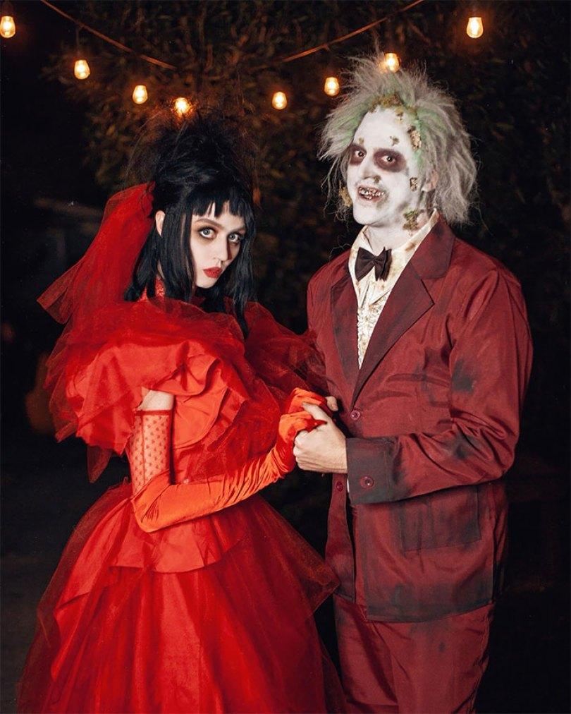 5dba98156010e halloween couple costume ideas 113 5daea11a43285  700 - Casais que apavoraram em suas fantasias para o Halloween