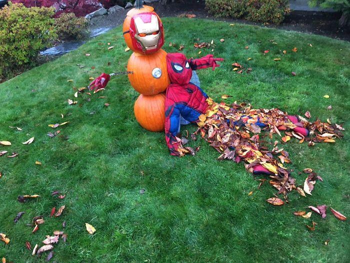 5dbbe5d38528a 1058035110988021760 png  700 - Americanos levam o Halloween a sério