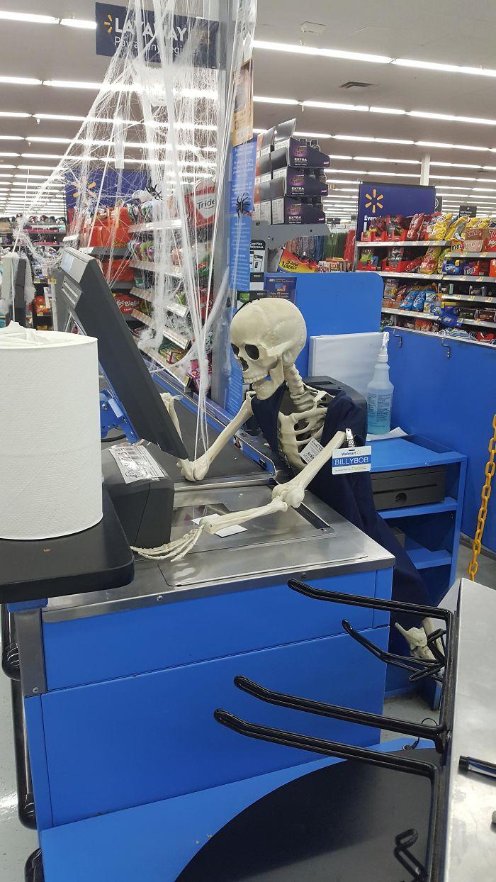 5dbbe5d4973be 5dafff828726b 3ev3rgof3vrz  700 - Americanos levam o Halloween a sério