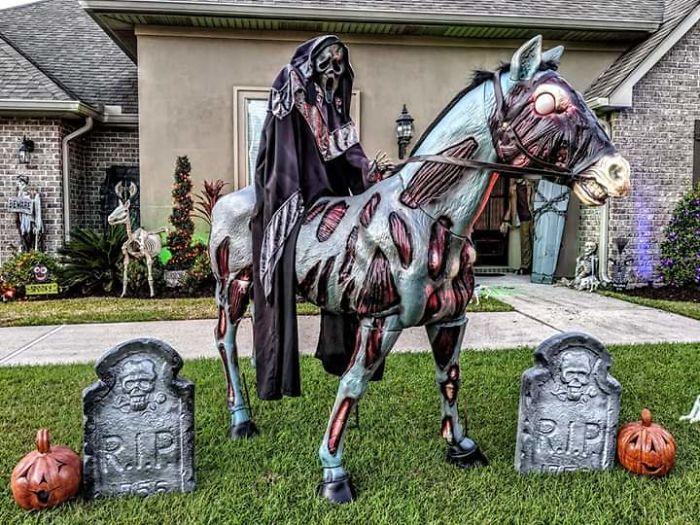 5dbbe5d510f18 5daeb22f7077f mxcr13ranyt31  700 - Americanos levam o Halloween a sério