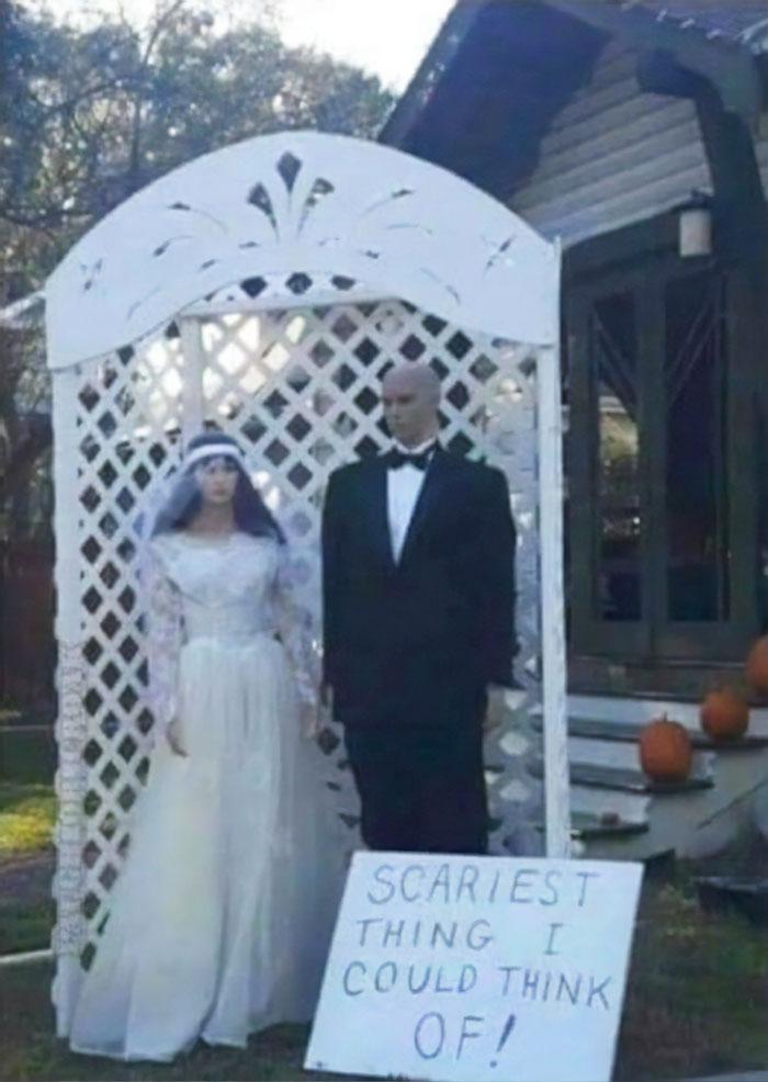 5dbbe5d533964 creative halloween decorations 8 5db95b46528d6  700 - Americanos levam o Halloween a sério