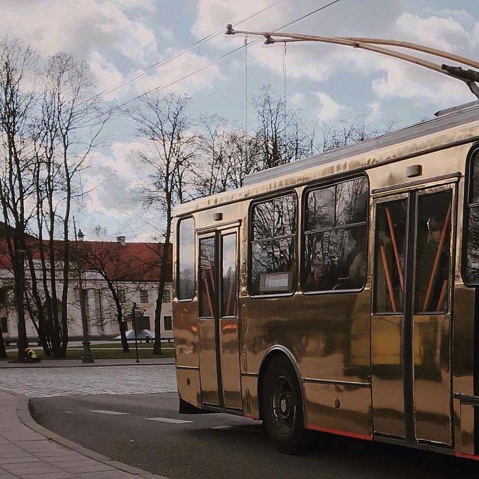 5dc3d4bc5ddab BTEUVJ7DzEI png  700 - Conta do Instagram compartilha as coisas mais estranhas do transporte público