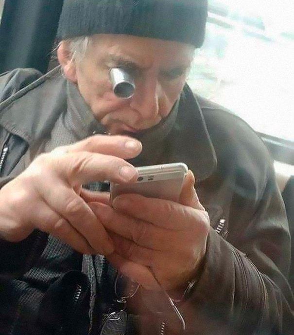 5dc3d4bc80add humans of trolleybuses 323 5dc287f538897  700 - Conta do Instagram compartilha as coisas mais estranhas do transporte público