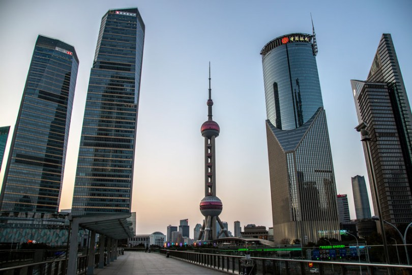 5e43b71042521 coronavirus outbreak empty shanghai streets photos nicole chan 1 19 5e425d744838a  880 - O dia em que a China parou! 32 fotos das ruas vazias de Xangai durante o surto de Coronavírus