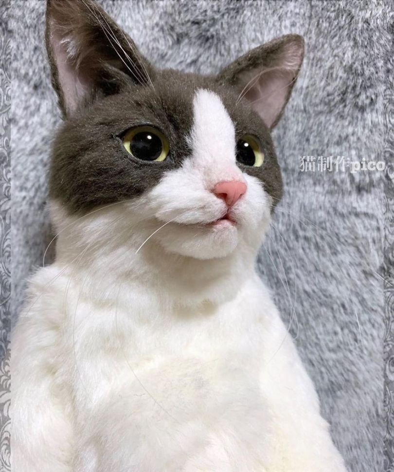 5e577eb75807b Japanese artist continues to create bags in the shape of cats and realism impresses 5e54ce50eb5d6  880 - Artista japonês cria Bolsas de gatos que assustam de tanta veracidade