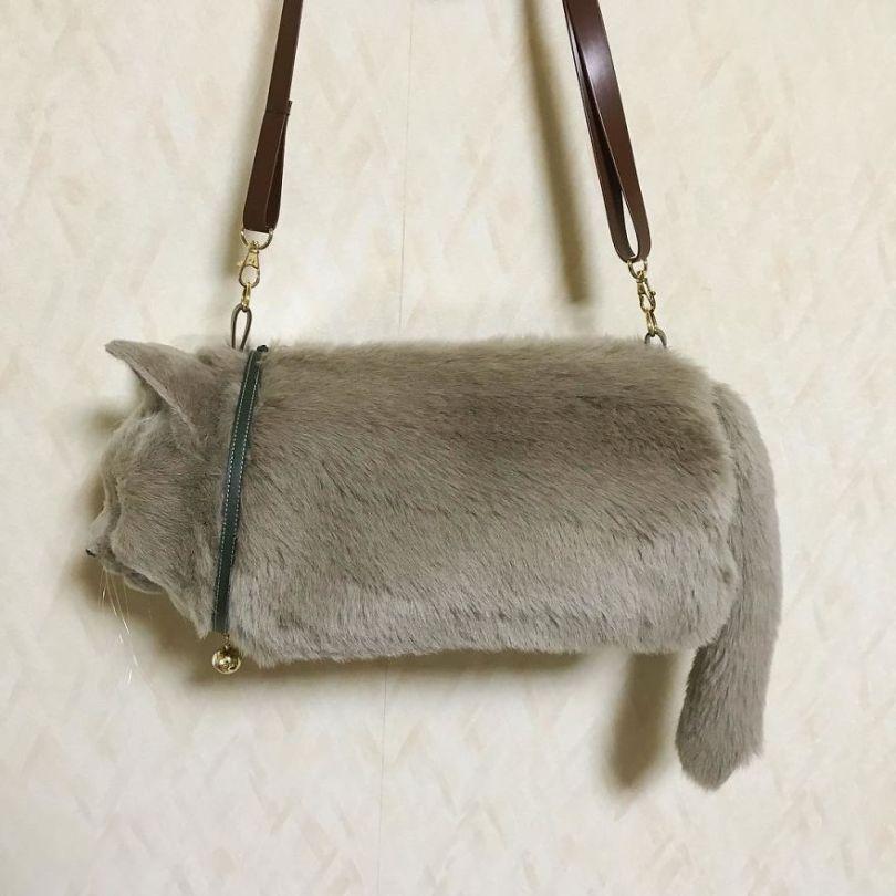 5e577ebe70d1e Japanese artist continues to create bags in the shape of cats and realism impresses 5e54cf9675018  880 - Artista japonês cria Bolsas de gatos que assustam de tanta veracidade