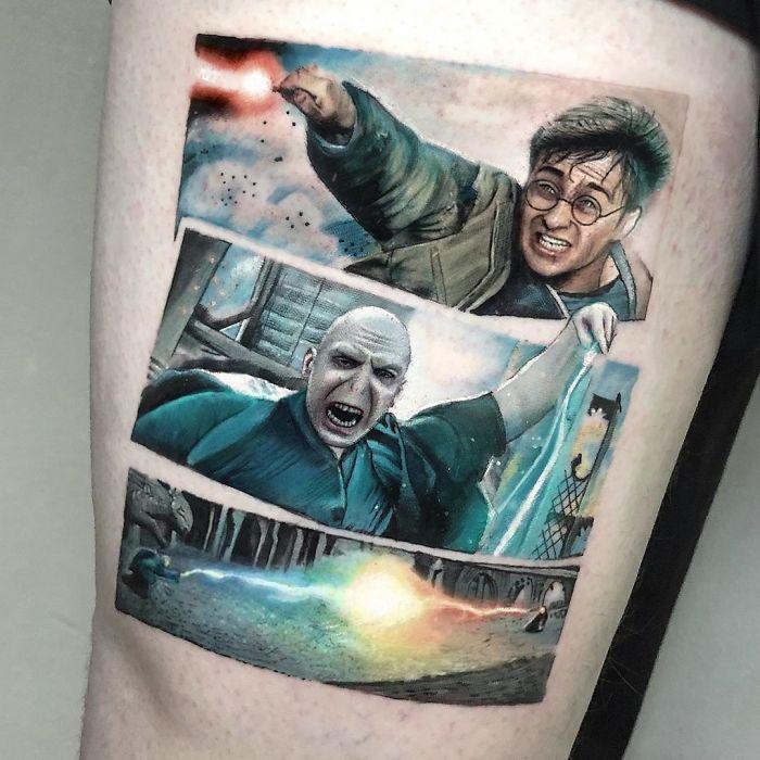 5e689afa8b71e B5AMVYolmfS png  700 - Tatuagens minúsculas inspiradas na cultura Pop de tatuador Israelense