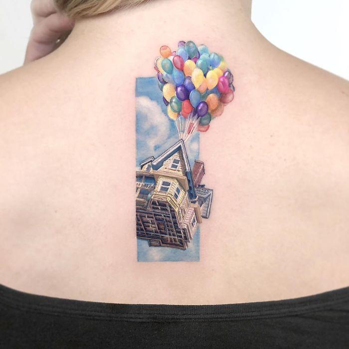 5e689afab468f B3eJTM0l Ef png  700 - Tatuagens minúsculas inspiradas na cultura Pop de tatuador Israelense