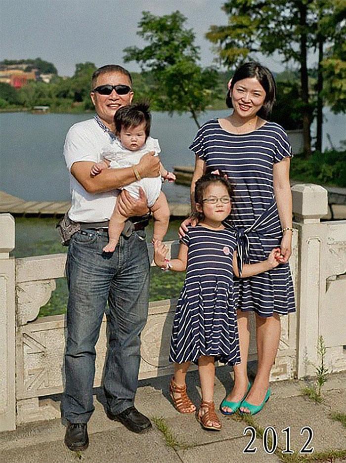 5f3f745c5649e dad daughter same photo location different year hua yunqing 1 35 5f3e28652b32d  700 - Mesma foto, mesmo lugar há 40 anos!