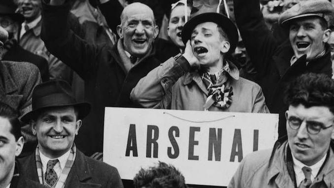 Un affreux supporter d'Arsenal en 1938 !
