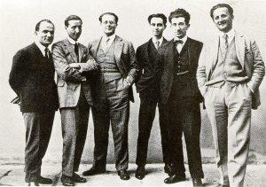 """Alcuni redattori della rivista """"Non mollare"""". Da sinistra a destra: Nello Traquandi, Tommaso Ramorino, Carlo Rosselli, Ernesto Rossi, Luigi Emery, Nello Rosselli. 1925."""