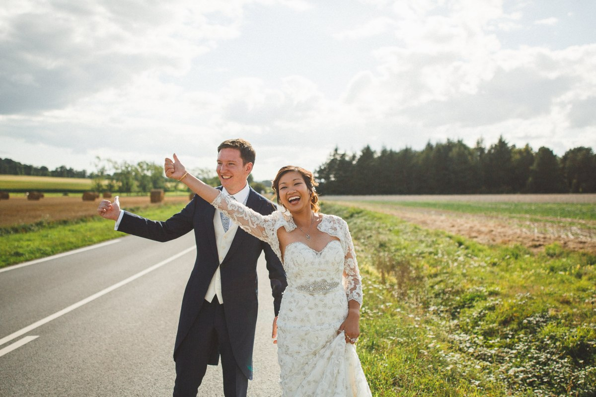 Châu et Anthony - Mariage Franco anglais- Photogrpage Street focus - Demoiselle capeline wedding planner Bretagne