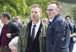 Ewan McGregor with director, Danny Boyle on the set of T2
