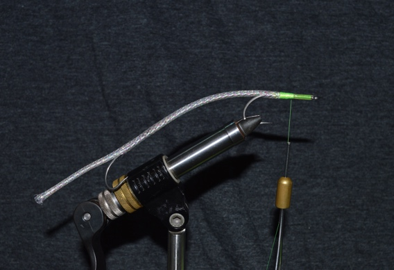 How to tie a needlefish fly for barracuda.