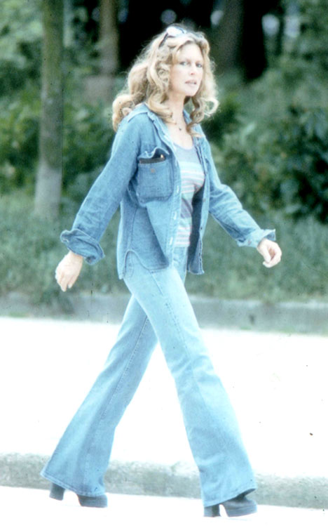 baggiesbardot 468x752 Fashion Flashback: Wideleg and Bellbottom Jeans