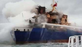 Pendik'te Gemi Yangını