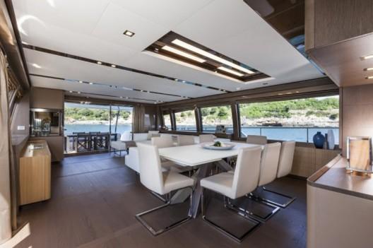 Ferretti-960-Yacht8-528x351