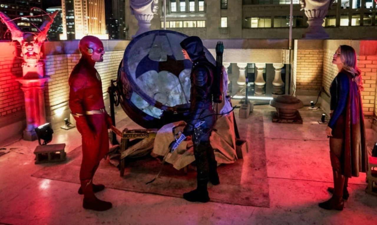 Elseworlds Finally Explains Arrowverse Batman Status | Den of Geek