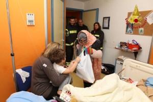 Befana Vigili del Fuoco ospedale Moscati Avellino