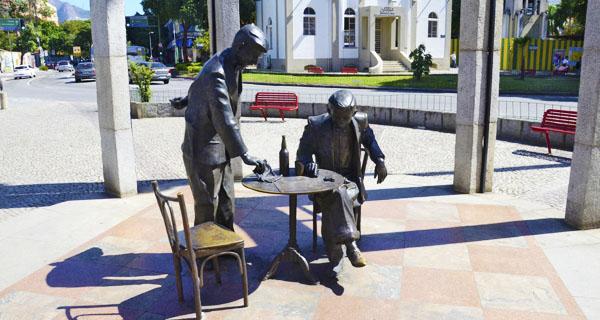 Statua di Noel Rosa a Vila Isabel