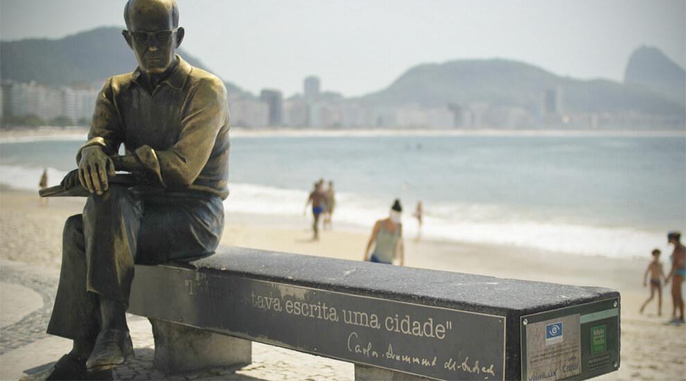 statua-carlos-drummond-de-andrade-rio-de-janeiro