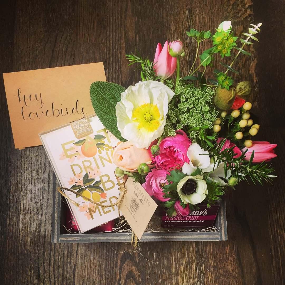 Manofatto custom gift boxes Hey Lovebirds