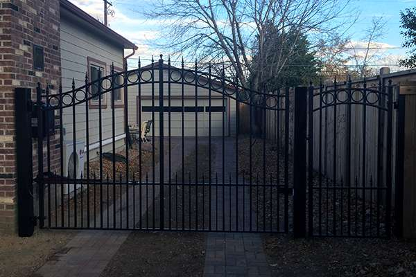 custom gate A Straight Up Fence Company Denver